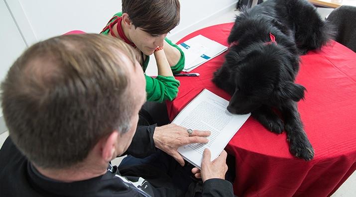 Perros y Letras - Perros y Letras Murcia en la Fundación Jesús Abandonado